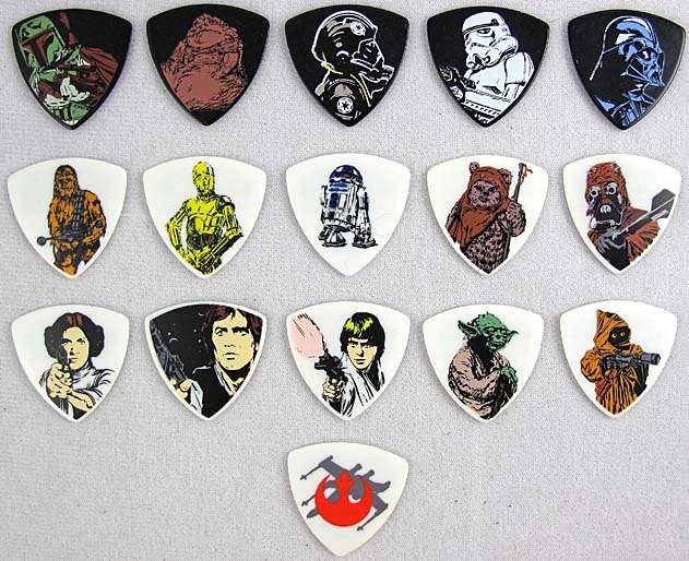 Star Wars Full Set Of 16 Guitar Picks 1mm Brand New